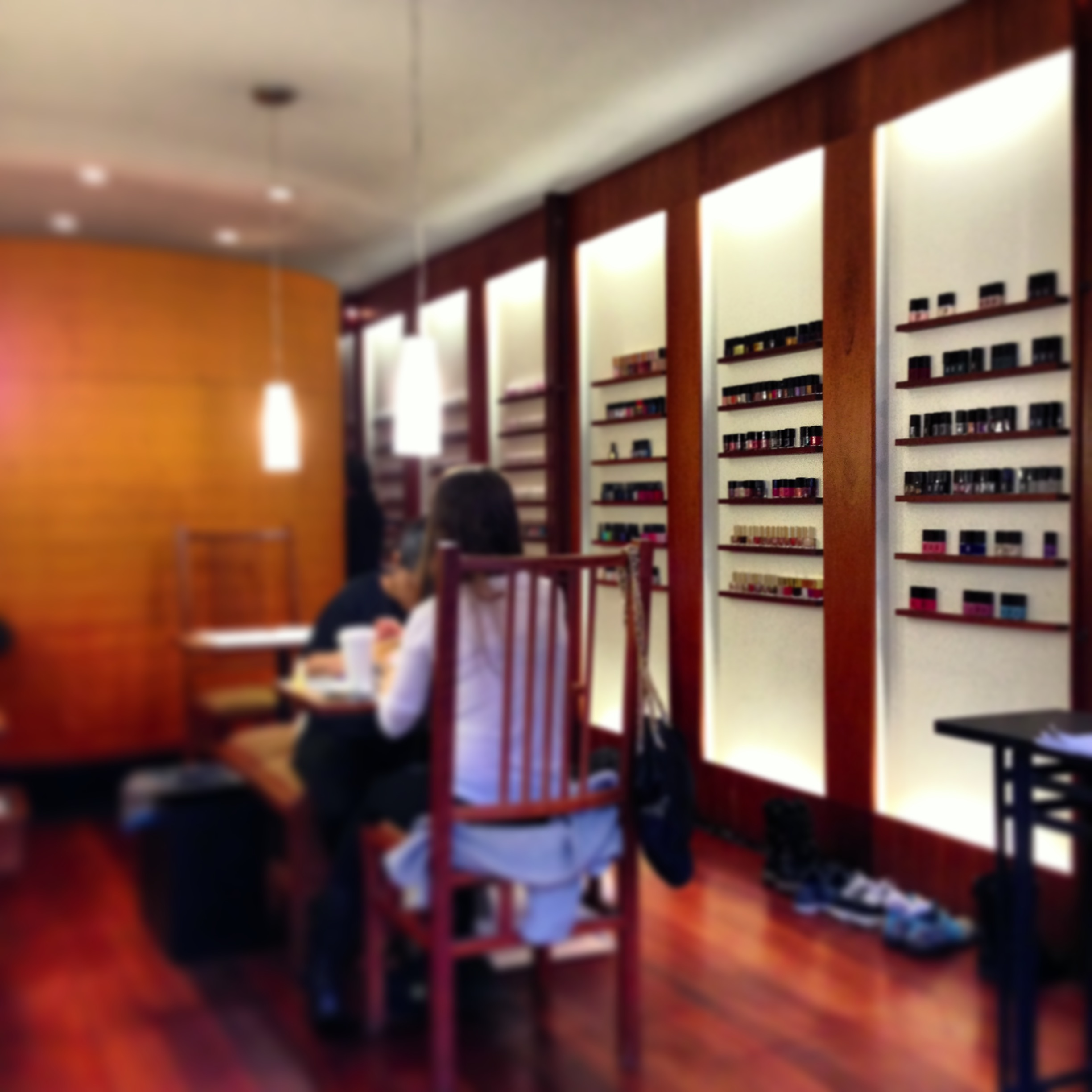 Jin Soon nail bar, New York - Thoroughly Modern Milly